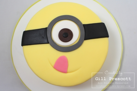Despicable me minion cake 3