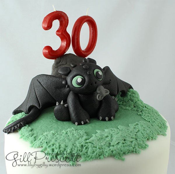 How-to-train-your-dragon-baby-toothless-cake-2