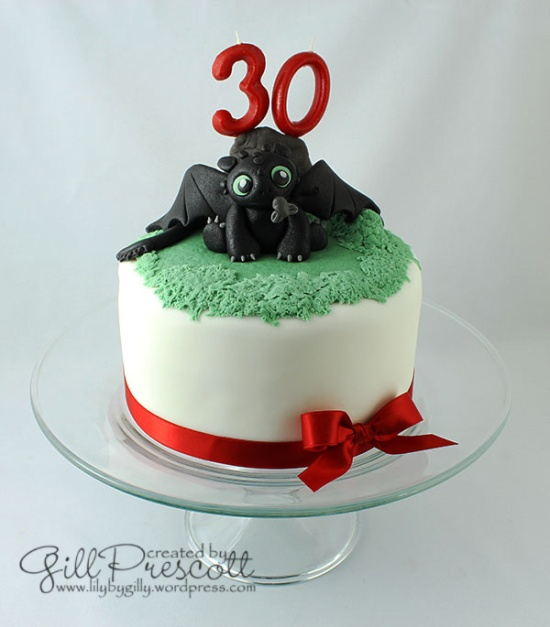 How-to-train-your-dragon-baby-toothless-cake