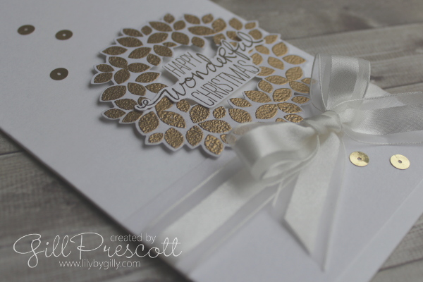 White and gold wreath Christmas card cu
